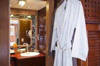 L'Amant Cruise - Bathroom  - #0