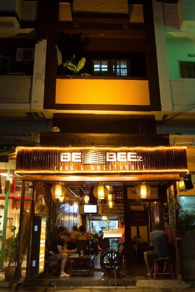 Be Beez Cafe and Guesthouse