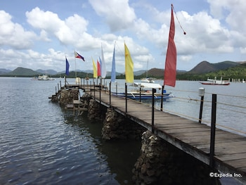 Discovery Island Resort And Dive Center Coron Dock