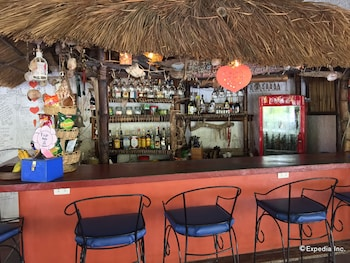 Discovery Island Resort And Dive Center Coron Hotel Bar