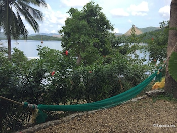 Discovery Island Resort And Dive Center Coron Garden