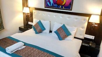 Photo for Hotel Tashkent Palace in New Delhi