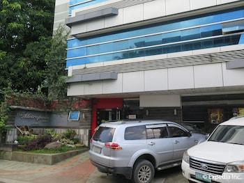 The Metropolis Suites Davao Exterior