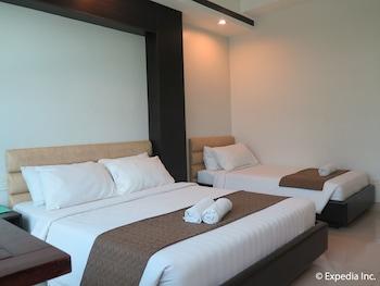 The Metropolis Suites Davao Guestroom