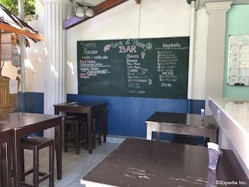 On Dive Love & Peace Resort Bohol Dining