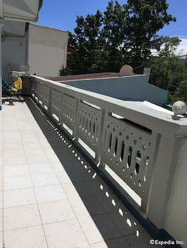 On Dive Love & Peace Resort Bohol Terrace/Patio