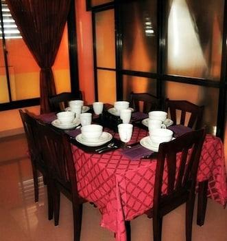 Nikita's Place Hotel Mindoro Dining