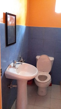 Calypso Resort Bohol Bathroom