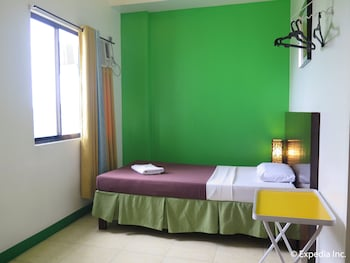 First Pacific Inn Davao Guestroom