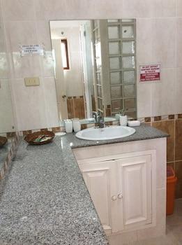 Flying Fish Resort Camotes Bathroom Sink