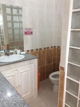 Flying Fish Resort Camotes Bathroom
