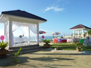 Flying Fish Resort Camotes Outdoor Banquet Area