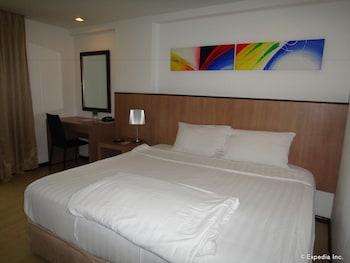 Prestigio Hotel Apartments Cebu Featured Image