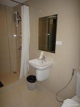 Prestigio Hotel Apartments Cebu Bathroom