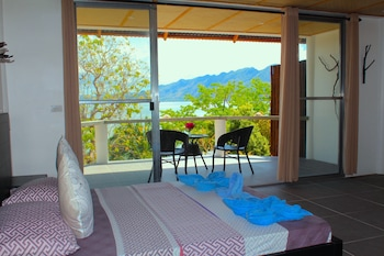 Chindonan Dive Resort Coron Living Room