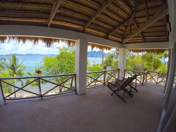 Chindonan Dive Resort Coron Guestroom View