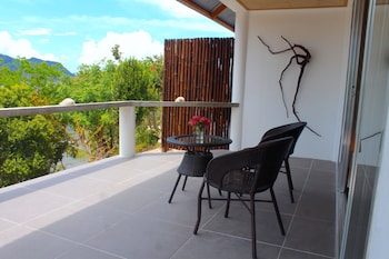 Chindonan Dive Resort Coron Terrace/Patio