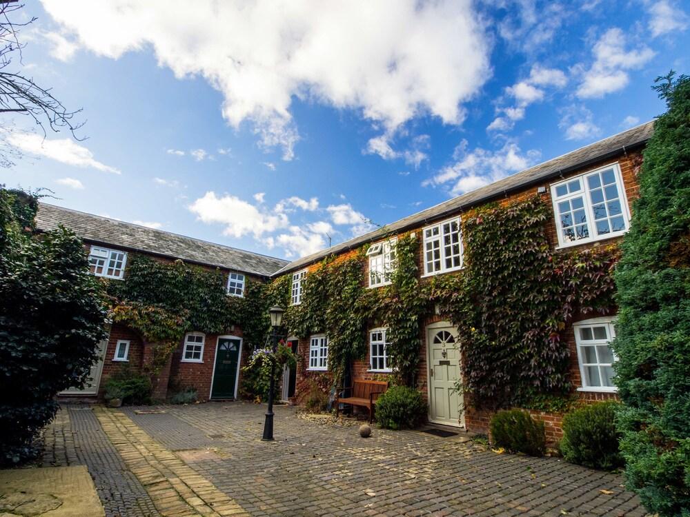 Glendower House Apartments