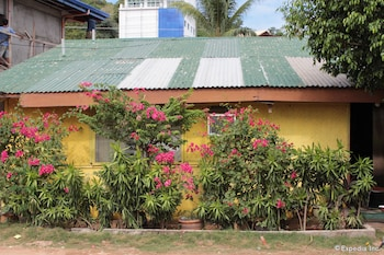 Coron Reef Pension House Exterior
