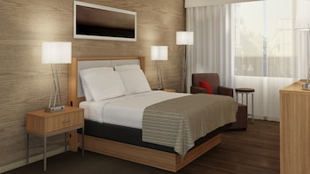 Holiday Inn Express & Suites Nassau - Featured Image  - #0