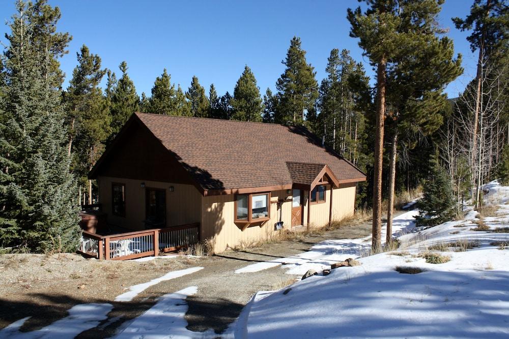 Rocky Ridge Chalet By Peak Property