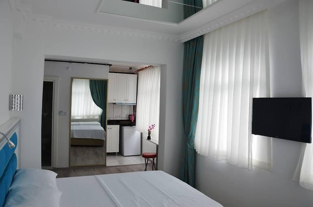 VIP Gold Suites