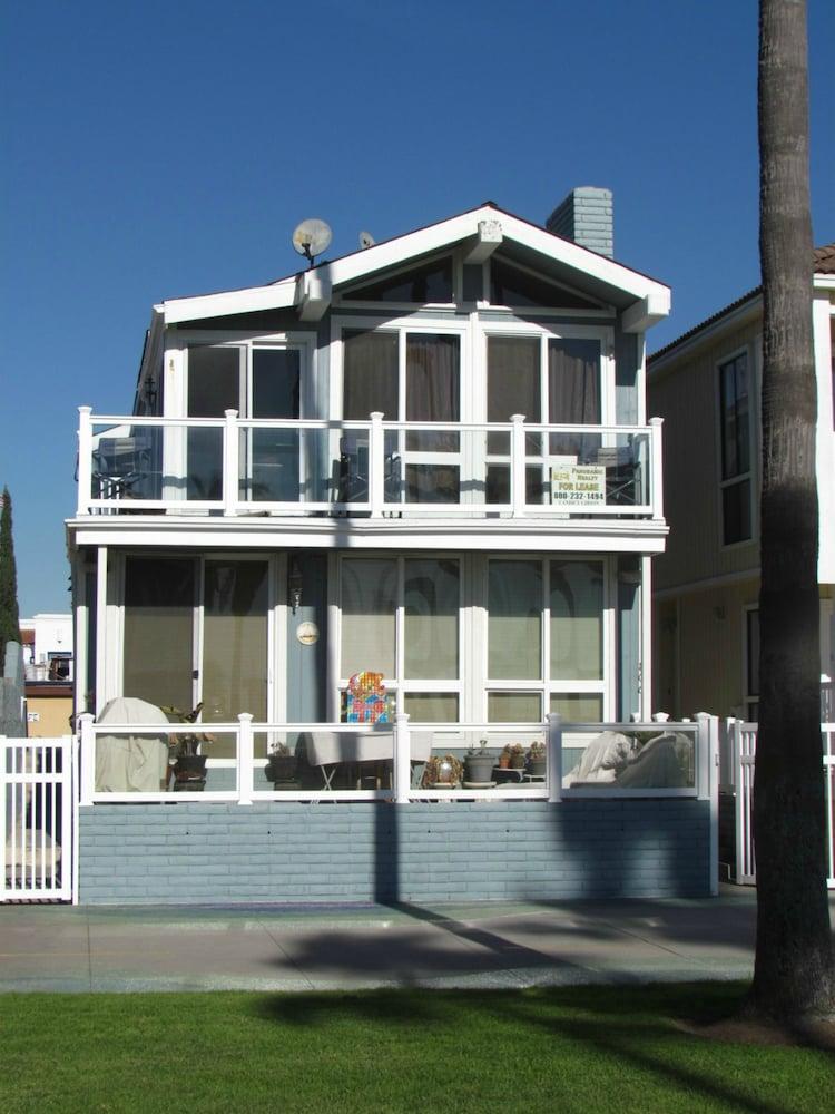 3 Bedroom Duplex with Ocean View