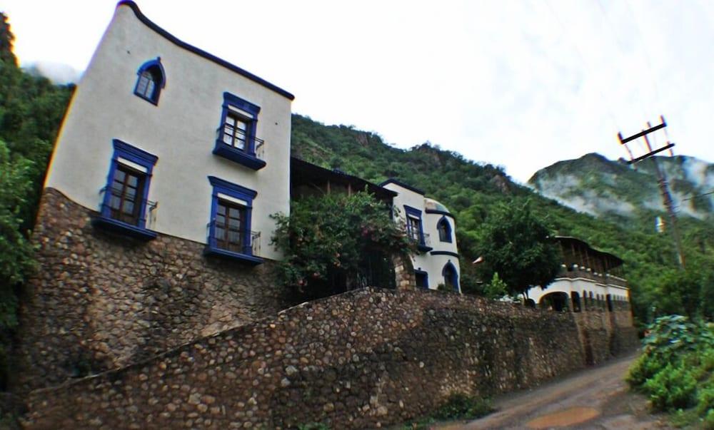 Hacienda del Río Batopilas