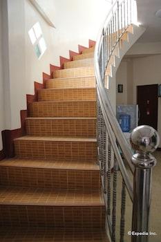 Aj Travellers Inn Boracay Staircase