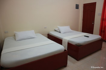 Aj Travellers Inn Boracay Guestroom