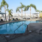 Apartment with Full Amenities - Miracle Mile
