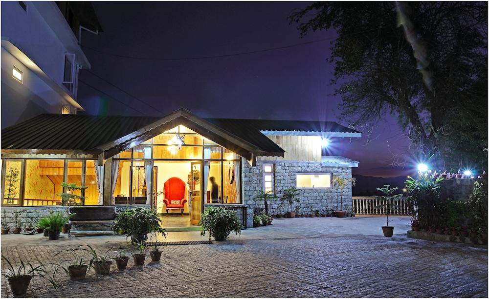 Summit Namnang Courtyard & Spa