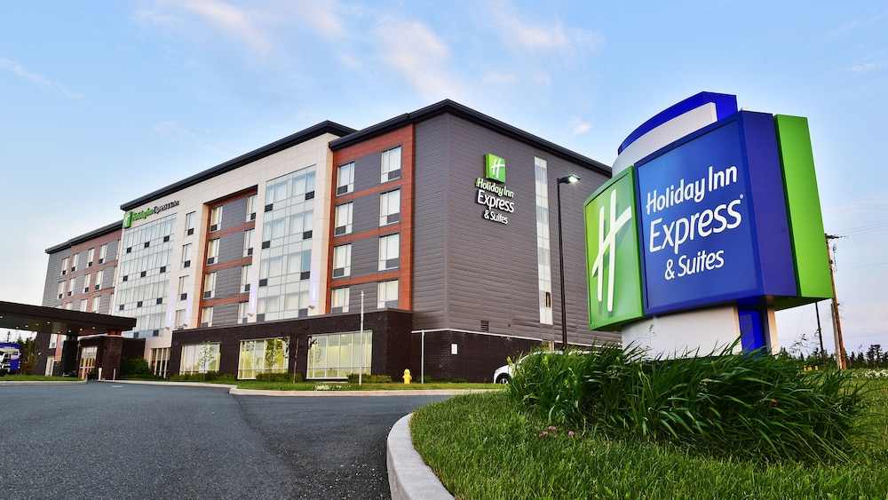 Holiday Inn Express & Suites St John's Airport