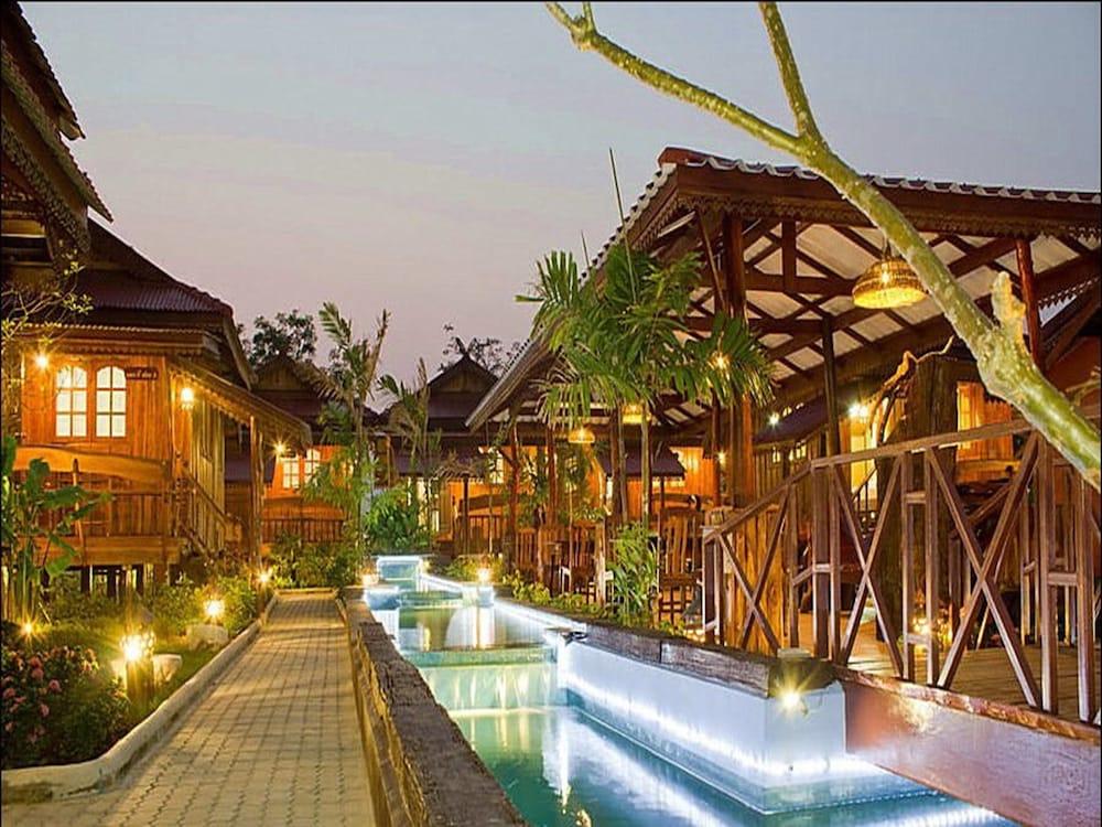 Dang Ky Resort