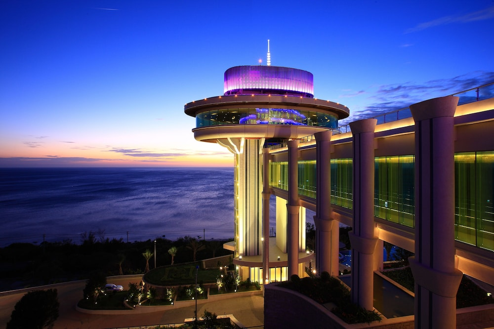 H Resort
