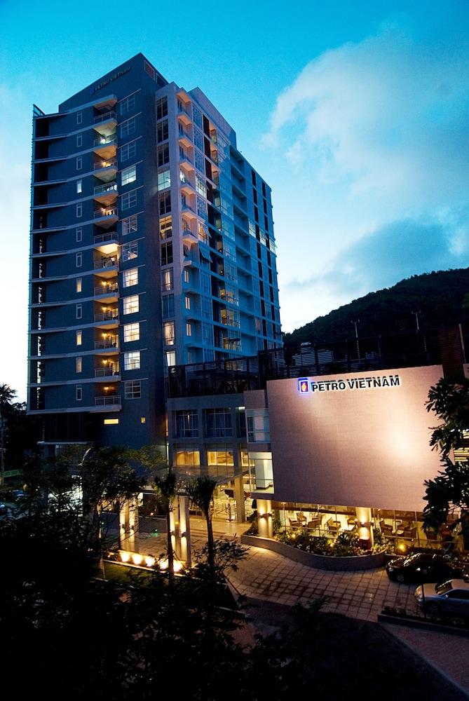 Petro Hotel