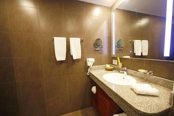 Best Western Premier Garden Hotel Entebbe - Bathroom Sink  - #0