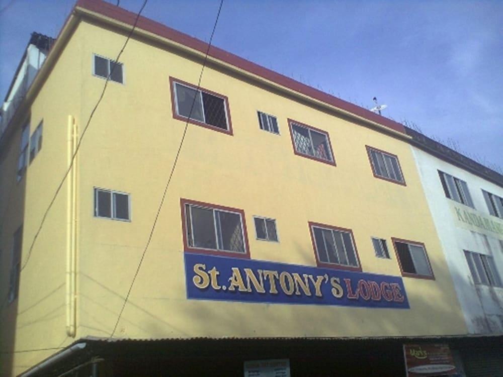St.Antonys Lodge Ernakulam Market