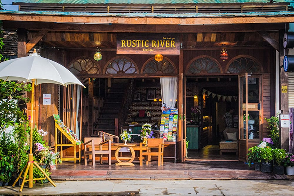 Rustic River Boutique