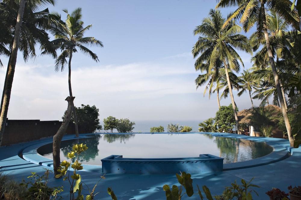 The Eco, The Poolside Beach Retreat