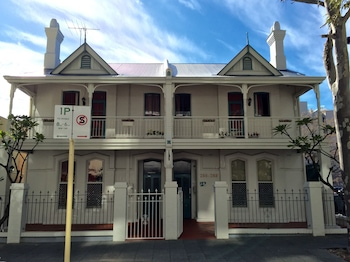 Hay Street Traveller's Inn - Hostel