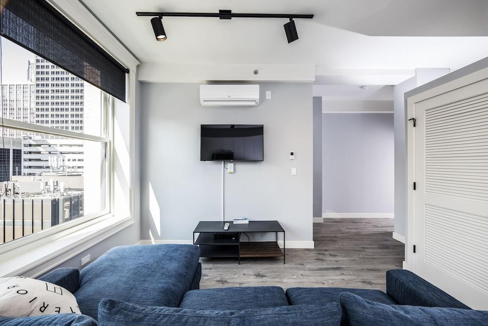Ginosi Basics Loop Apartel