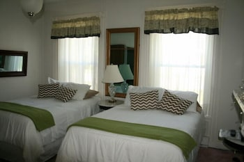 Premium Suite, 1 Queen Bed, Valley View