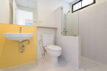 Hop Inn Sa Kaeo - Bathroom  - #0
