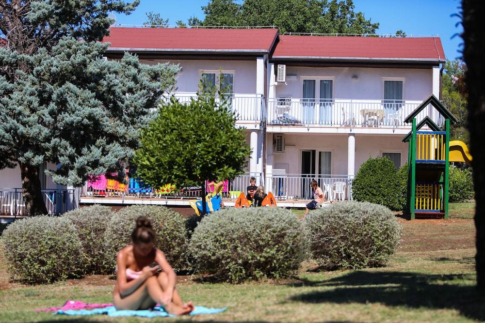 Ai Pini Medulin Resort