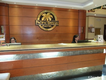 Pacific Breeze Hotel Angeles Reception