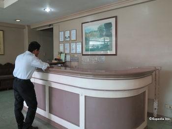 C Est La Vie Pension Cebu Reception