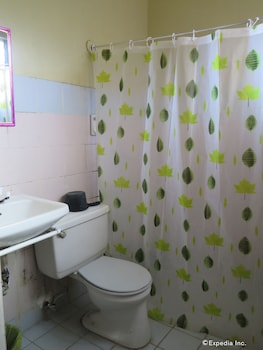 San Jose Pension Cebu Bathroom