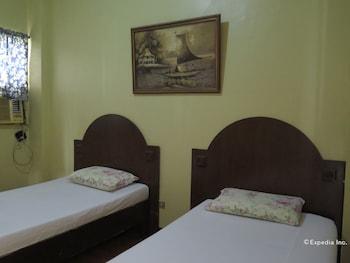 San Jose Pension Cebu Guestroom