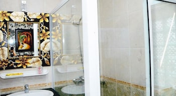Hoang Thanh Thuy Hotel 2 - Bathroom  - #0